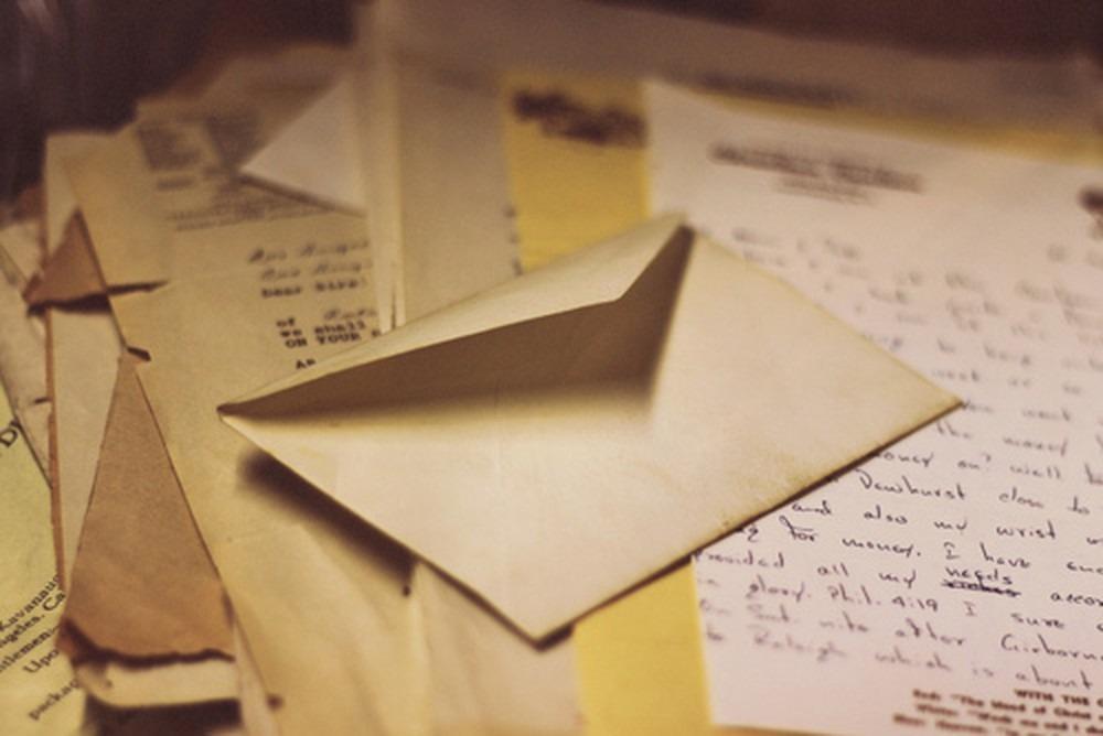 Мужчина купил автомобиль и нашел в нем душераздирающее письмо от бывшего владельца