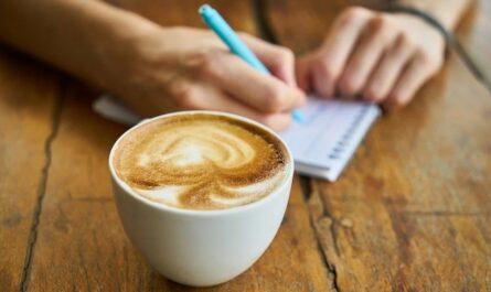 Посетительница кафе оставила таинственную записку, а затем бесследно исчезла