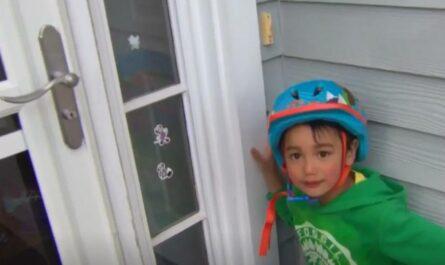 Трехлетний мальчик спас соседку-бабушку, которая оказалась запертой в подвале собственного дома
