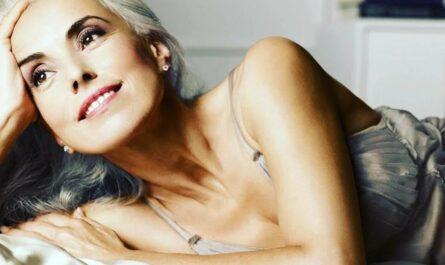 """Ясмина Росси: 64-летняя женщина, признанная """"самой красивой бабушкой в мире"""""""