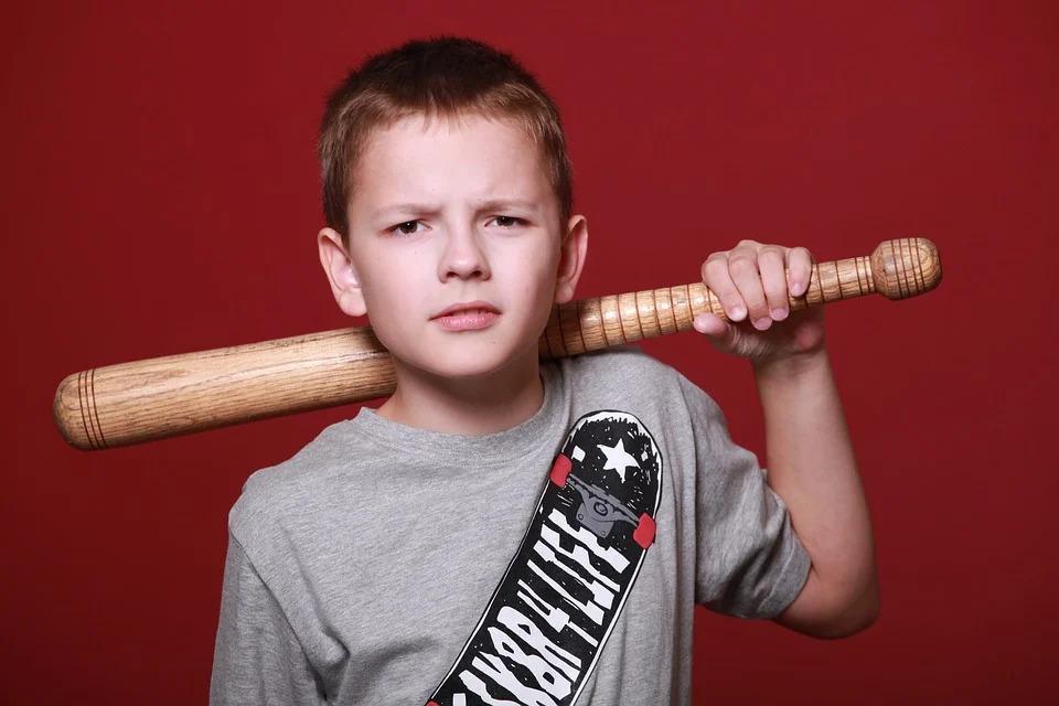 Можно ли бить ребенка? Советы психолога