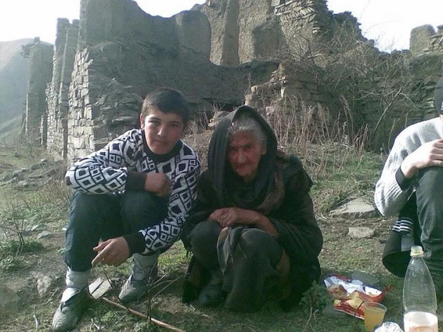 Как сложилась судьба 76-летней бабушки, которая более полувека прожила одна в покинутом селе