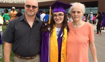 55-летняя женщина, проигравшая в борьбе с раком, оставила трогательное письмо для дочери