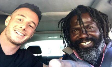 Парень подружился с бездомным и помог ему вернуться к нормальной жизни