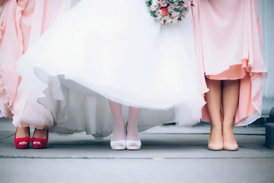 Как выбрать длину платья или юбки в соответствии с фигурой?