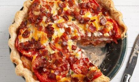 Пирог с помидорами и цикорием
