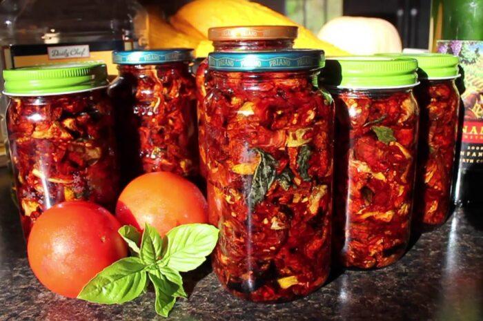 Пошаговый рецепт мариновки вяленых помидоров