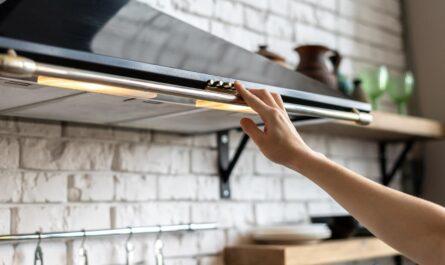 Кухонная вытяжка: необходимость или бестолковая вещь?